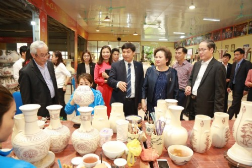 CHU DAU CERAMIC – A MEMBER OF BRG GROUP ON CONTINUEING JOURNEY OF VIETNAMESE CULTURAL QUINTESSENCE