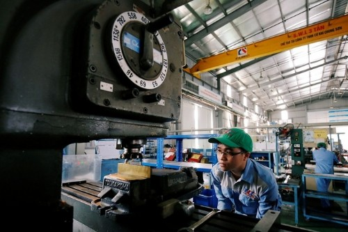 Vietnam bans import of machinery more than 10 years old