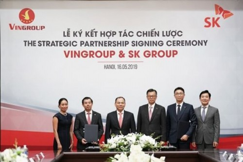 Korean group spends US$1 billion buying Vingroup shares
