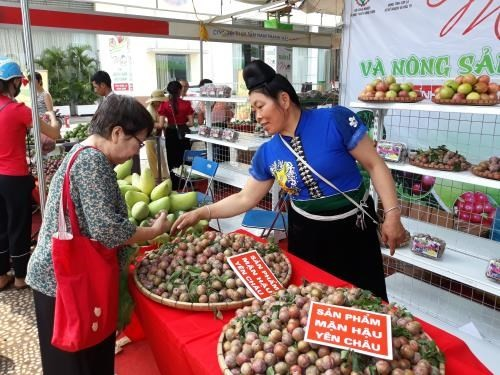 Son La's agricultural products promoted in Hanoi