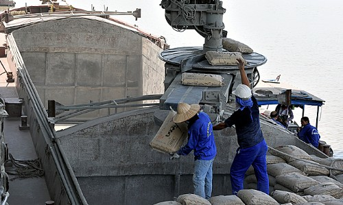 Philippines slaps new tariffs on cement imports from Vietnam