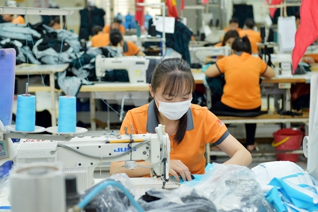 PM urges garment, footwear sectors to promote supply chain links