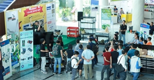 Online trade fairs, exhibitions boom