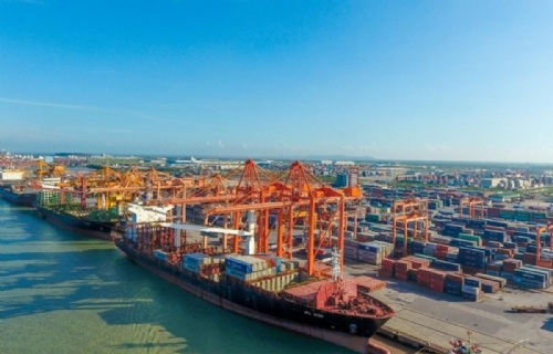 Over 425 million tonnes of cargo handled at seaports in seven months